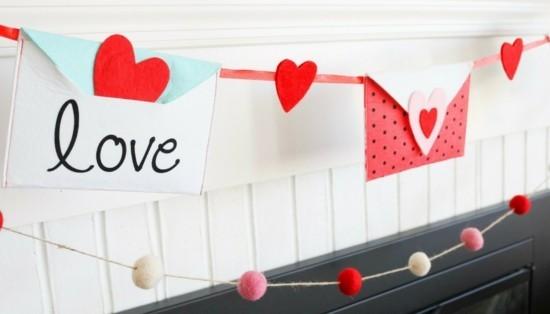 dekoration mit briefumschlägen valentinstag ideen