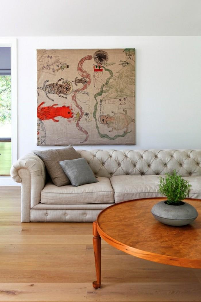 designer sofa in einer kunstvollen wohnzimmereinrichtung
