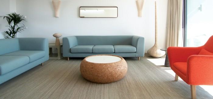 designer sofa in tollem hellblau