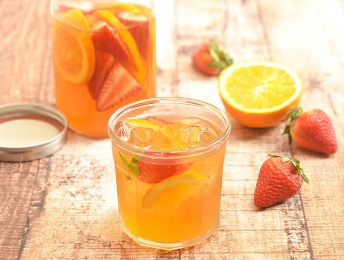 detox wasser zitrusfrüchte erdbeeren tipps zum abnehmen
