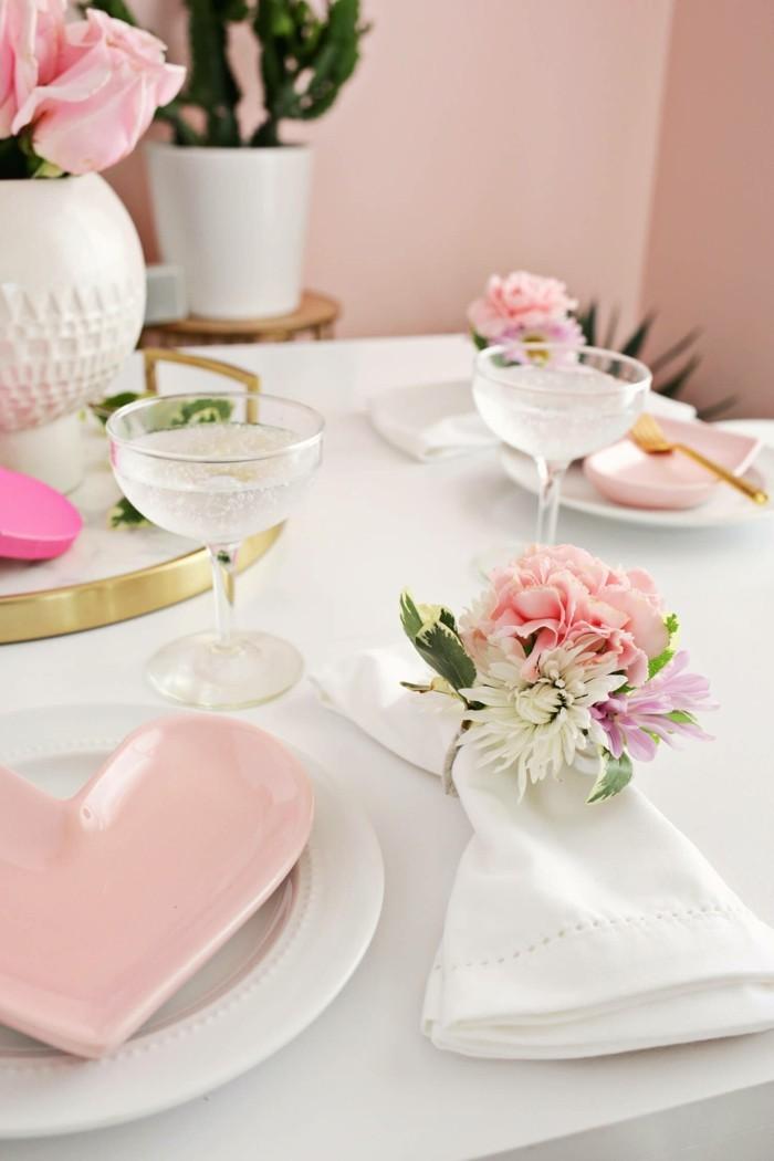 Dekoration Tisch.Esstisch Dekorieren Zum Valentinstag Für Romantik Pur