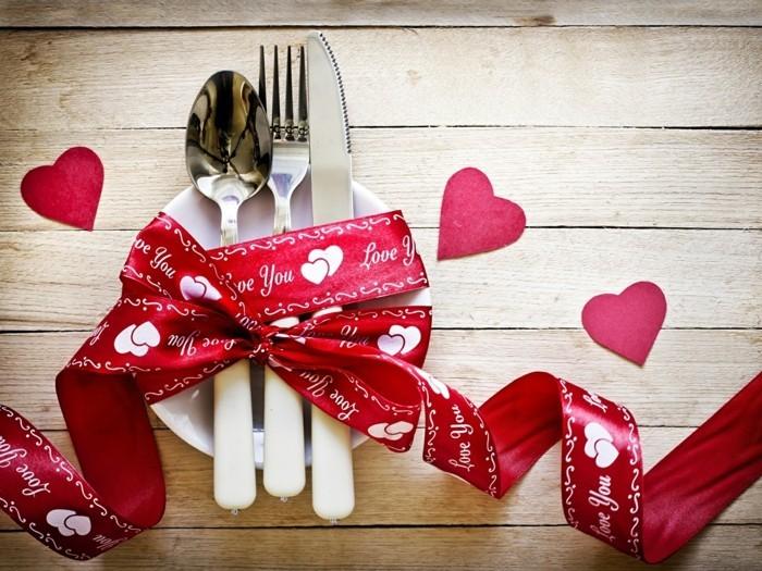 esstisch dekorieren valentinstag dekoideen geschirr dekorieren