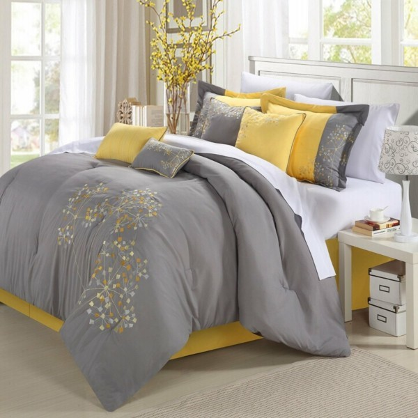 gelbe blüten dekokissen zitrone im schlafzimmer