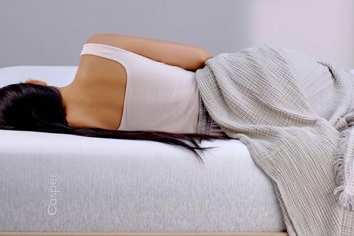 einschlafst rungen weg mit der perfekten ergonomie im bett. Black Bedroom Furniture Sets. Home Design Ideas