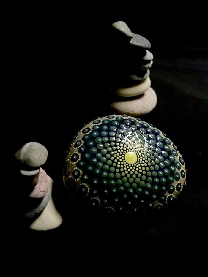 manala muster steine bemalen basteln mit naturmaterialien spirale
