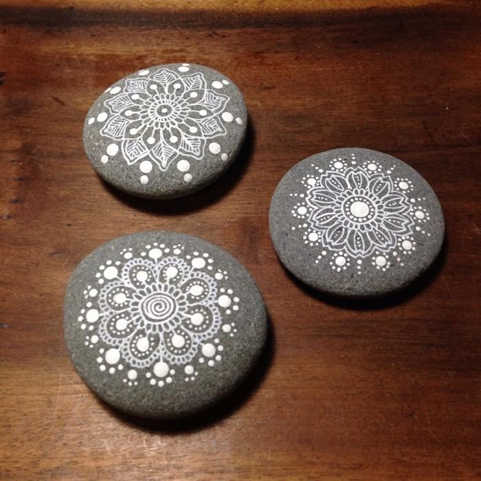manala muster steine bemalen einfach schwarz weiss
