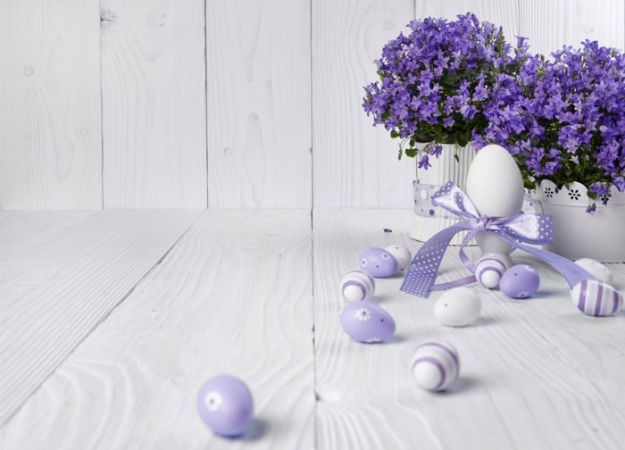 osterdeko fruehjahrsblueher lila