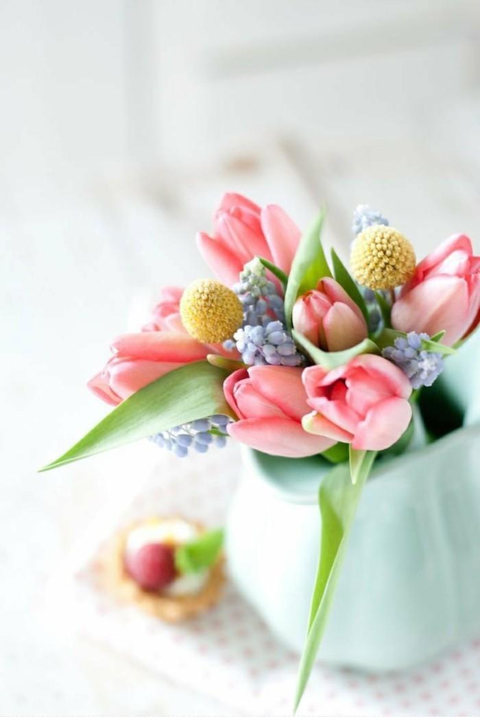 osterdeko fruehjahrsblueher gartenzubehoer tulpe
