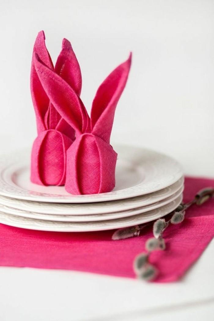 osterhase basteln servietten falten anleitung stoffserivetten farbe rot