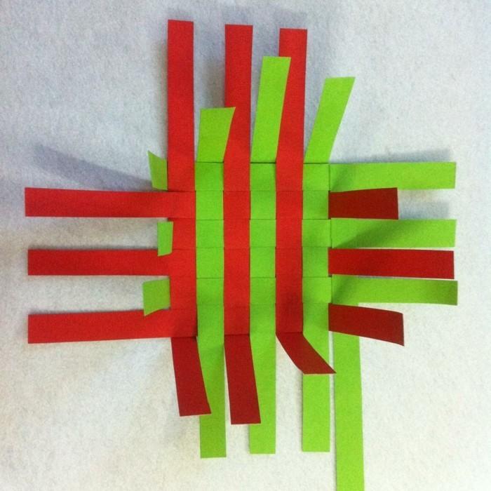 osterkorb basteln osterdeko selber machen ostergeschenke aus papierstreifen übereinander legen kleben naechst1
