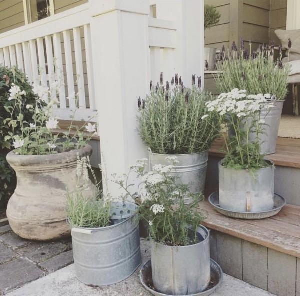 rustikale deko rustikale pflanzenbehälter gartentreppen dekorieren