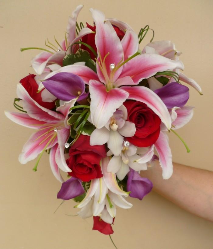 valentinstag blumen blumenstrauß frische blumen lilien rosen