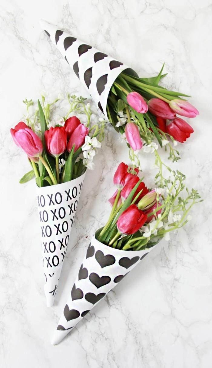 valentinstag blumen farbige tulpen symbol