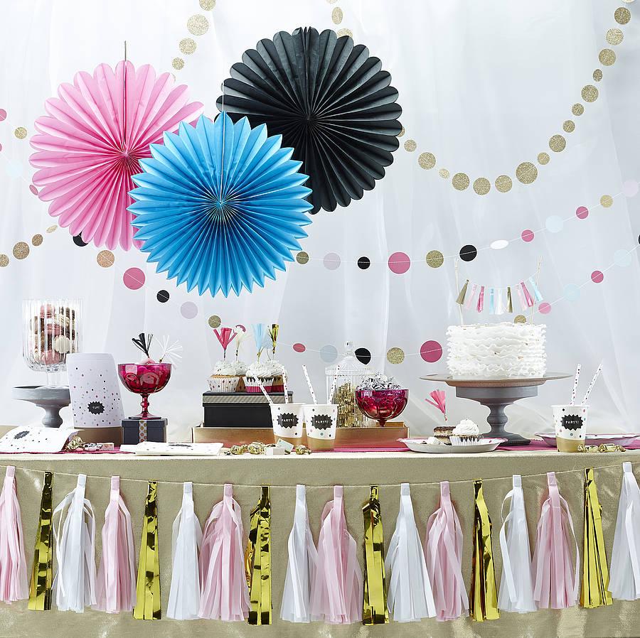 wandgestaltung ideen f r eine partys hochzeit und andere festliche events. Black Bedroom Furniture Sets. Home Design Ideas