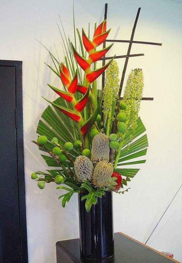 Herrlicher Raumschmuck am Palmsonntag mit Palmzweigen zu Hause