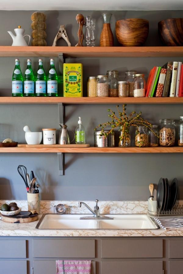 Küche Spülbecken Küchenregale Gewürze Naturelemente