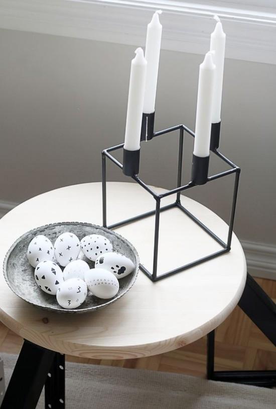 Minimalistische Tischdeko Ostern schwarz -weiß
