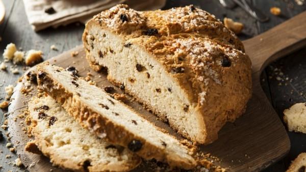 Soda bread hausgebackenes Brot nach irischer Art