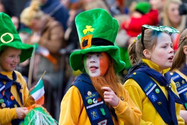 St. Patricks Day Parade Mädchen