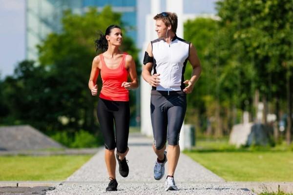 Tägliches Joggen Energie gut ausgewogene Sporternährung