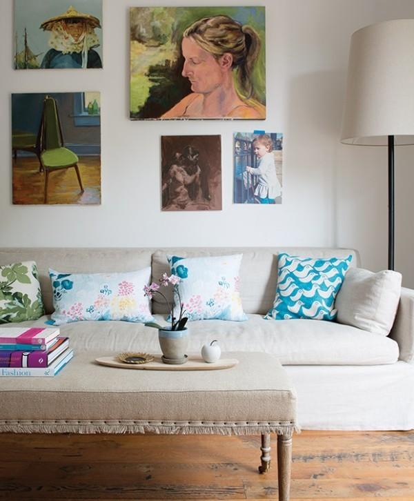 Tipps und Tricks Gemälde an der Wand Orchidee auf dem Kaffeetisch