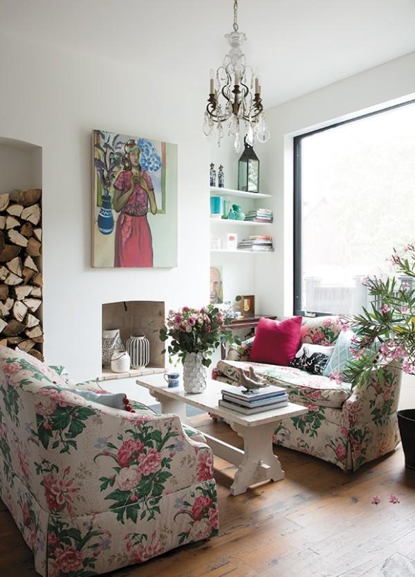 Weiß Sherwin William's Arcade White rosa grüne Akzente im Raum