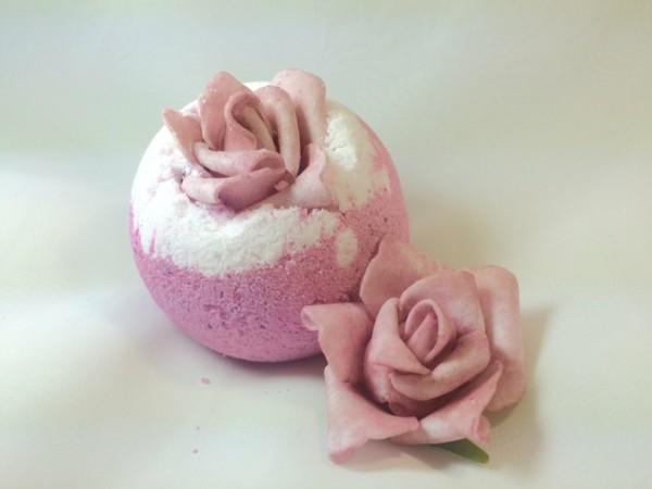 badekugeln selber machen mit rosen
