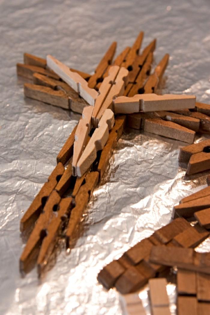 basteln mit waescheklammern fruelingsdeko aus holz selebr machen kreuzigung
