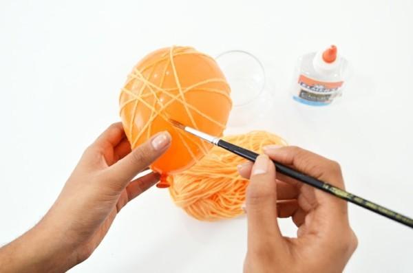 basteln zu ostern ostereier basteln mit wolle und ballon