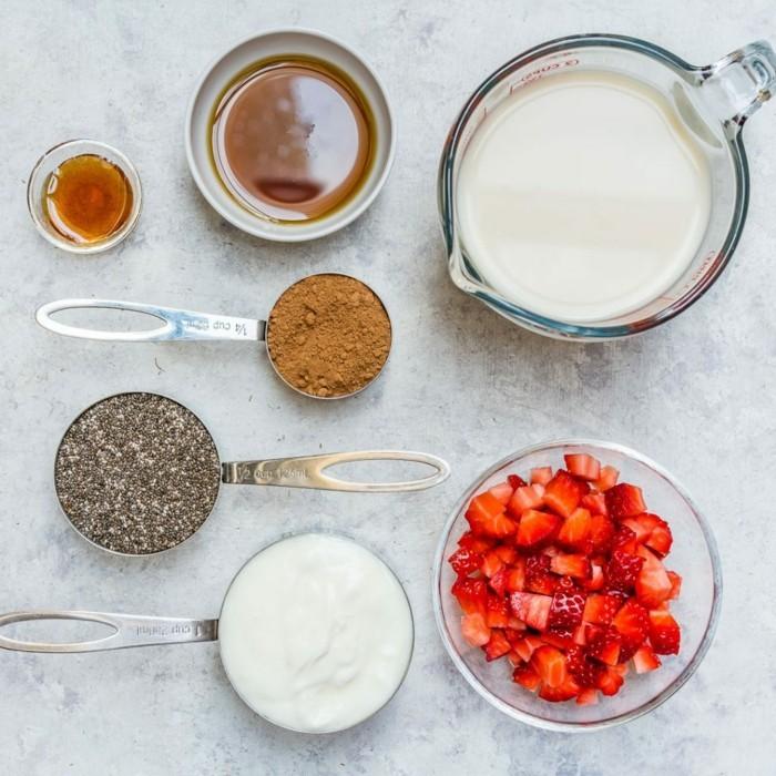 chia rezepte yoghurt ahornsirup zimt erdbeeren pudding