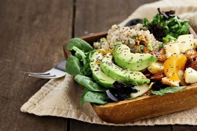 chia samen avocado nüsse salat gesund abnehmen