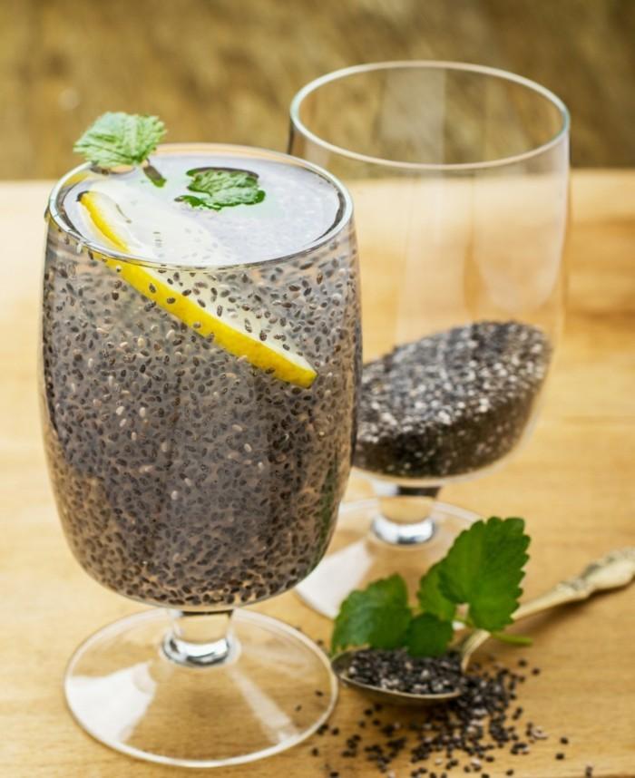 chia samen zitronenwasser trinken mit minze
