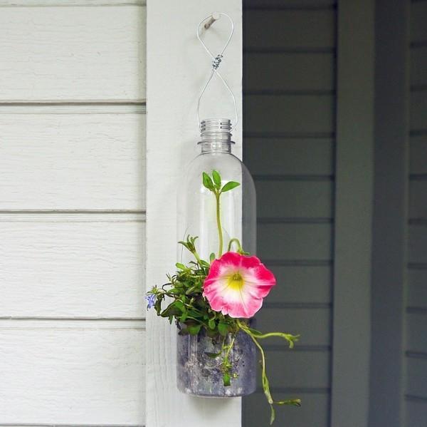 diy idee plastikflasche blumenampel selber machen
