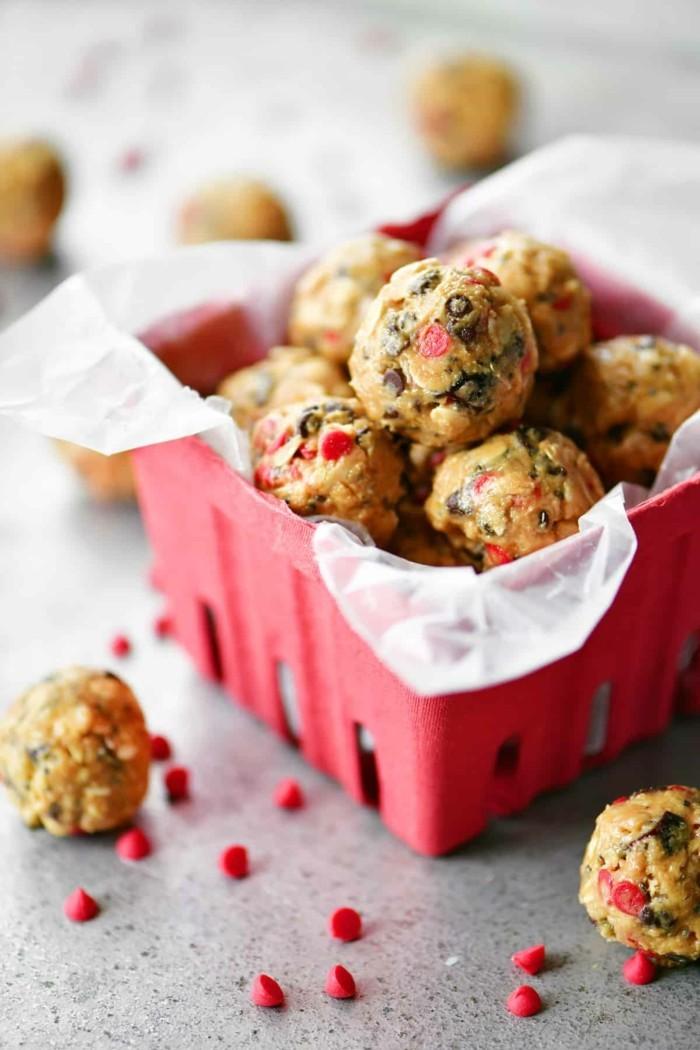 energy balls rezept kirschen schokolade gesundes frühstück geschenkidee