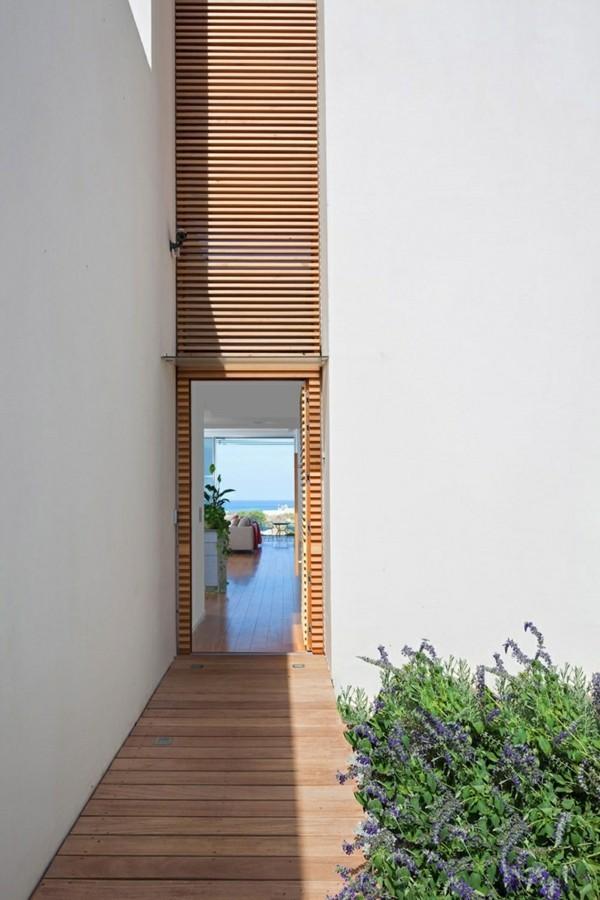 glastür im holz moderne fassadengestaltung