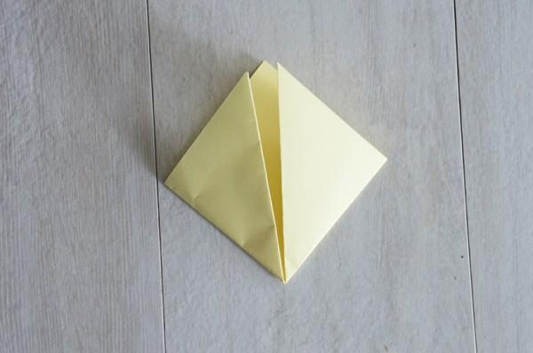 küken osterbasteln mit papier gelb