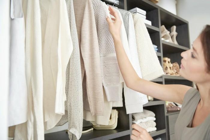 kleiderschrank ausmisten aufräumen konmari methode