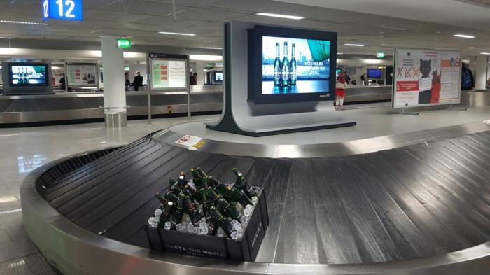 kreative ideen flughafen handgriff kiste bier