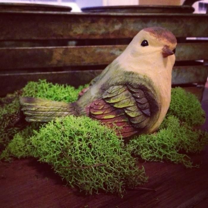 mit moos dekorieren fruelingsdeko naturmaterialien vogel gestalten mit moos