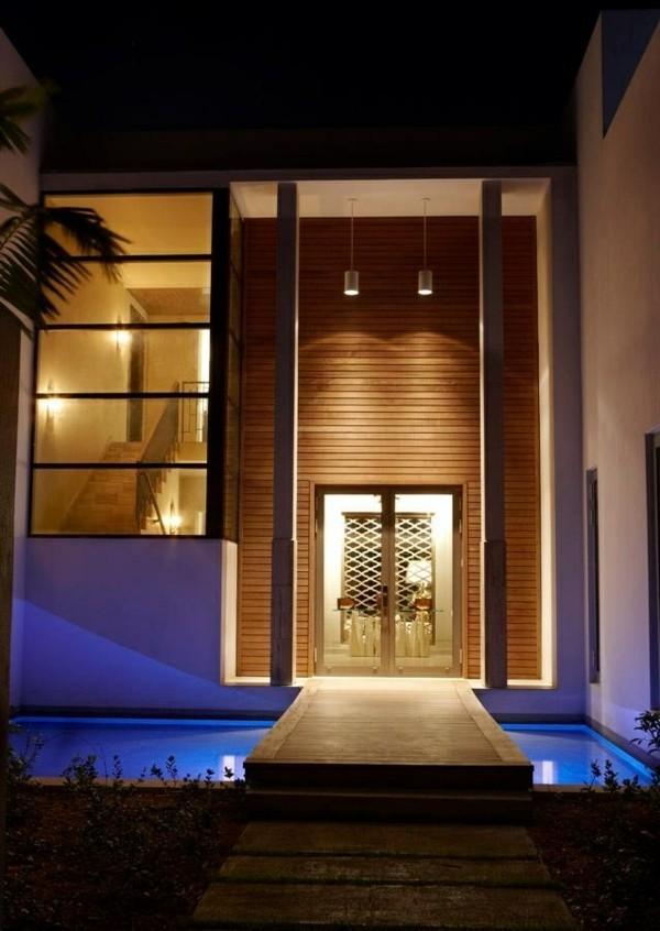 moderne fassadengestaltung hohe glastür