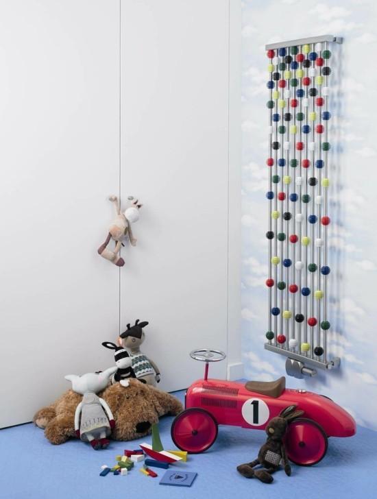moderne heizköper kinderzimmer heizen jungenzimmer farbiges modell wandhalterung