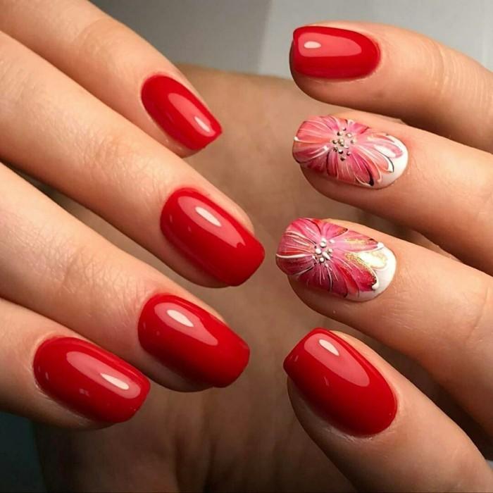nageldesign selber machen roter nagellack blumenmuster frühling