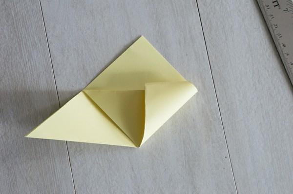 osterbasteln mit papier küken origami