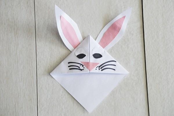 osterbasteln osterhase lesezeichen origami