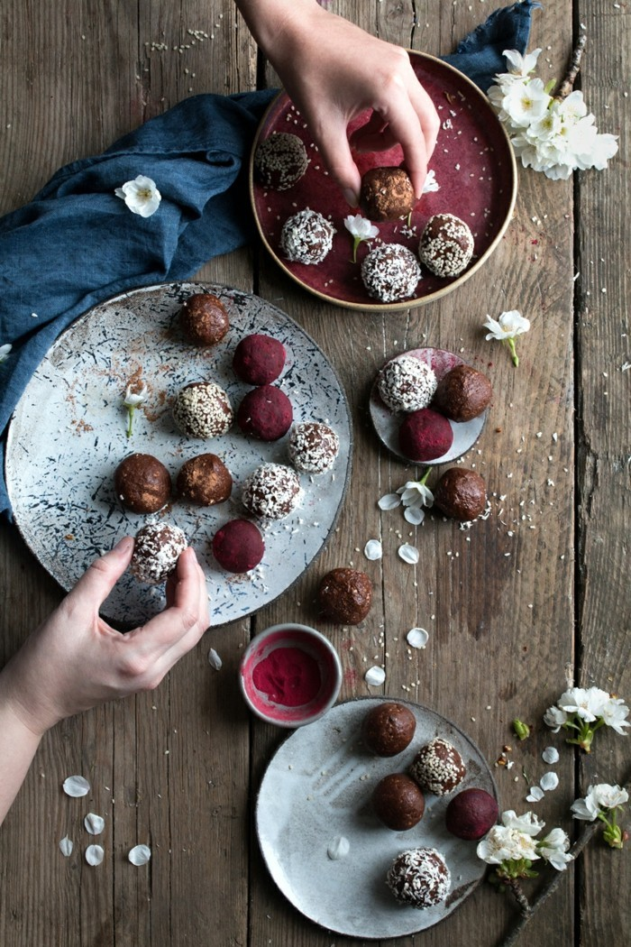 osterbrunch detox snacks low carb energy balls rezept