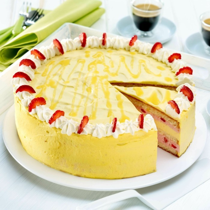 rote gruetze kuche backen kalorienarm erdbeere eierlikoer