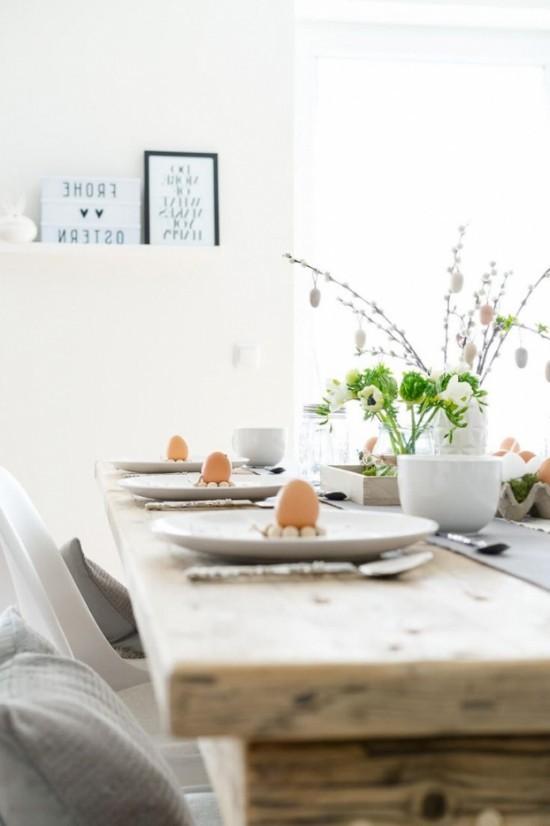 schöne Tischdeko Ostern Eier rustikales Flair