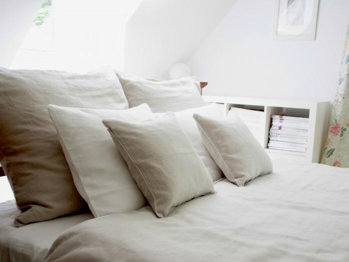 schlafzimmer gestalten matratze kissen bettwäsche
