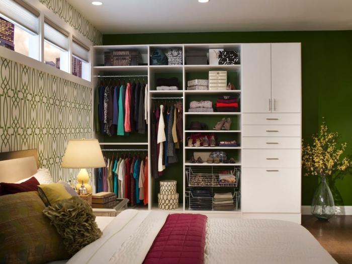 schlafzimmer kleiderschrank aufräumen konmari methode