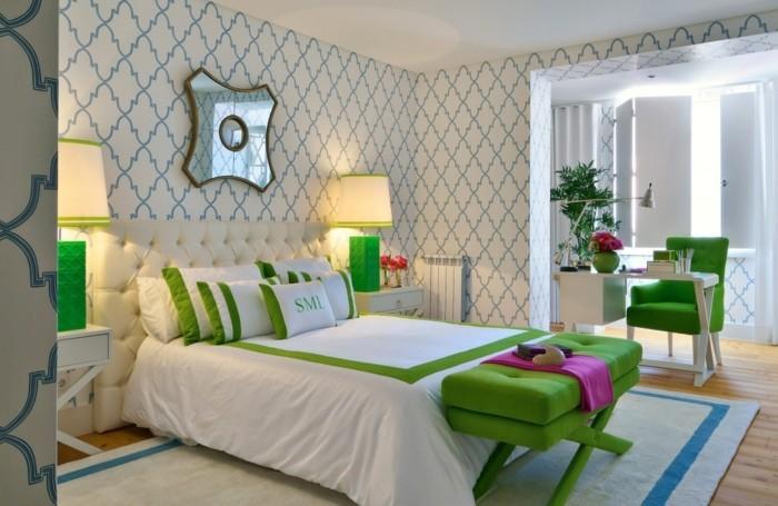 tapeten schlafzimmer ideen neutrales muster grüne möbelstücke